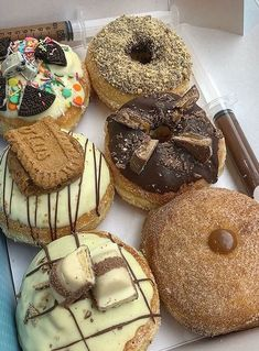 Delicious Donuts, Delicious Desserts, Dessert Recipes, Yummy Food, Cute Desserts, Food Goals, Aesthetic Food, Food Cravings, Diy Food