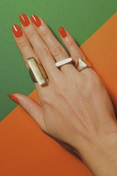 Retro 1970's! Coral orange nail inspiration with beautiful gold ring jewellery