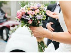 Descubre las tendencias en ramos de novia para 2016
