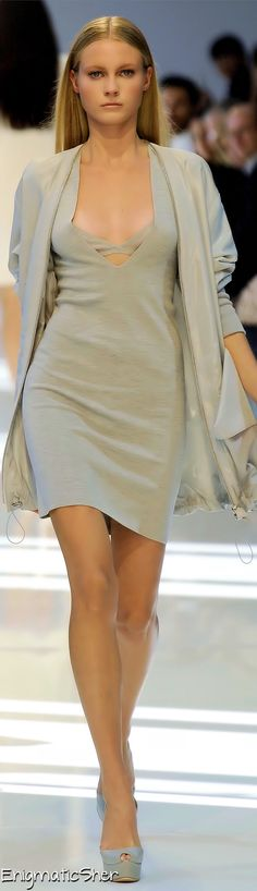 Akris Spring Summer 2010 Ready-To-Wear