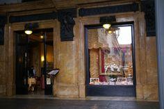 Torino, Galleria Subalpina, Caffé-Pasticceria Baratti e Milano