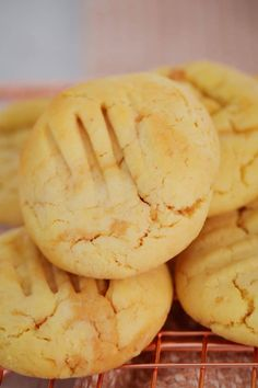 Introducing the famous 100 Cookie Recipe made with just 4 ingredients. butter, caster sugar, condensed milk and self-raising flour! This freezer-friendly cookie dough can be flavoured with any add-ins you like! Biscuit Cookies, Biscuit Recipe, Cookie Dough, Fun Desserts, Delicious Desserts, Yummy Food, Baking Desserts, Dessert Recipes, Baking Recipes