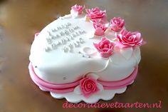 Taart 'Hart met roze roosjes 2' - detail