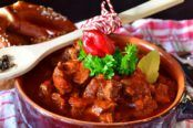 European Cuisine, Hungarian Recipes, Hungarian Food, Kung Pao Chicken, Goulash, Food Dishes, Food To Make, Casserole, Chili