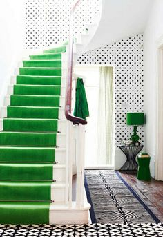 The Peak of Tres Chic: Stair Runners That Make A Statement