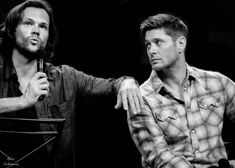 Jensen And Jared Dean Winchester, Winchester Brothers, Jensen Ackles Jared Padalecki, Jared And Jensen, Supernatural Gifs, Supernatural Seasons, Favorite Tv Shows, Actors & Actresses, Superwholock