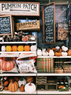 Fall farmers market full of pumpkins. Fall farmers market full of pumpkins. Halloween Hacks, Fall Halloween, Halloween Queen, Autumn Cozy, Fall Winter, Autumn Feeling, Farmers Market, Autumn Rockers, Fall Inspiration