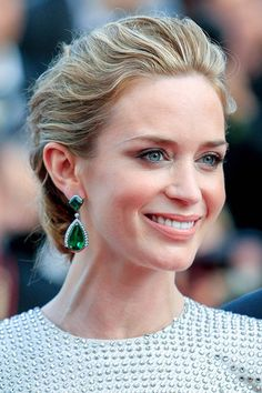 Cannes 2015  Emily Blunt with right hairstyle and earrings, matching Soft Classic type Kibbe, as well and defining her noble Cool Summer type with the right shade of gray.