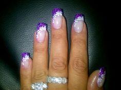 Purple print with white daisys - SA Nail Academy