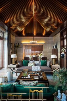 Stunning luxury interior design ideas from modern boutique hotels. Lobby, bedroom, stairways and entryways, a room by room guide to finding inspiration with the best interior architecture from world-renowned hotels. Resort Interior, Luxury Homes Interior, Home Interior Design, Interior Architecture, Balinese Interior, Asian Interior, Tropical Interior, Balinese Decor, Modern Tropical