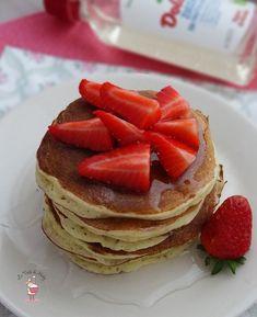 Pancakes light alle fragole con crusca d'avena, ricotta e zucchero di frutta | Le Torte di Michy