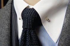 Gebreide das 4 - tie a tie  - Must-wear: De gebreide stropdas - Manify.nl