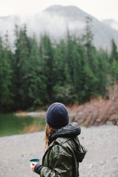 Pretty cloths worn by a woman I can barely see. The landscape makes her cloths fittable, if it's not just a photo in the background. Outdoor Life, Outdoor Travel, Outdoor Living, Adventure Awaits, Adventure Travel, Travel Trip, Trekking, Twilight, Wanderlust