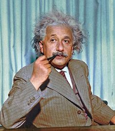 Albert Einstein Pictures, Albert Einstein Poster, Couple Poses Drawing, Couple Posing, Robert Einstein, Buddha Thoughts, Nobel Prize In Physics, Richard Feynman, Philosophy Of Science