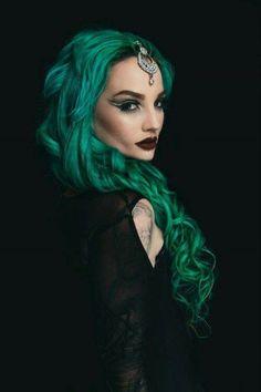 https://ar.pinterest.com/pin/446911963015922559/ #The_Goth_Life #goth #gothic #dark #vampire #werewolf