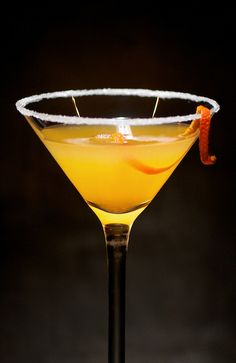 Kentucky Sidecar Cocktail Recipe 1/2 oz. Fresh Lemon Juice 1 oz. Fresh Tangerine Juice 1 1/2 oz. Bourbon (a nice small-batch bourbon preferred) 3/4 oz. Triple Sec 1. Rub the rim of a chilled cocktail glass with a tangerine wedge & sugar the rim. 2. Put all ingredients into a cocktail shaker with ice, then shake it with passion for 15-20 seconds. Strain into your cocktail glass. Garnish with a tangerine twist, or for a sexy addition drop a few raspberries into the cocktail glass.