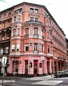 I feel like nobody talks about how many pink buildings Budapest has perfect for I was not prepared for the fabulousness. Warn a traveler next time. Feel Like, Bookstagram, Time Travel, Hungary, Budapest, Buildings, Wanderlust, Europe, Urban