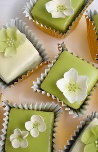 Green Blossom Fondant Petit Fours
