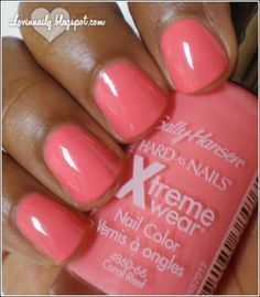 Nail polish of the summer Sally Hansen Xtreme Wear in the coral reef - Nails Design Cute Nails, Pretty Nails, Coral Nails, Sally Hansen Nails, Nail Polish Colors, Summer Nails, Summer Wear, All Things Beauty, Nail Inspo