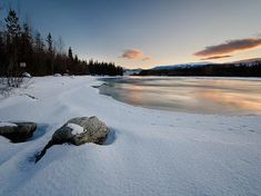 The Yukon Territory may be famous for its sub-Arctic climate, but there are also surprising temperature variations throughout the region. Yukon River, Yukon Territory, Colorful Clouds, River Bank, Snow And Ice, Its Cold Outside, Winter Scenes, Winter Snow, Travel Guides