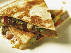 Käse-Tortilla mit Rind | Zeit: 30 Min. | http://eatsmarter.de/rezepte/kaese-tortilla-mit-rind