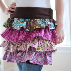 Ruffled apron... Looking cute in the kitchen! ;)