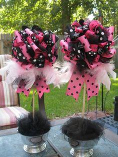 pink/black ribbon centerpiece