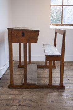 Statige houten schoolbank | Firma Zoethout