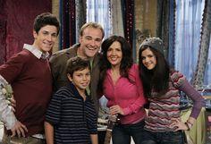 David Henrie, David DeLuise, Maria Canals-Barrera, Selena Gomez and Jake T. Austin
