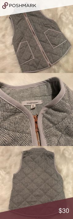 """41 Hawthorn Stitch Fix Quilted Herringbone Vest Quilted herringbone vest by 41 Hawthorn from Stitch Fix. Zip front with rose gold zipper. Front pockets. Measures 18"""" across chest and 24"""" in length. Gently worn and in excellent condition. 41 Hawthorn Jackets & Coats Vests"""