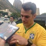 """Henry Cavill Brasil auf Instagram: """"Imagem do cinema Odeon, onde vai ocorrer a premiere de #OAgentedaUncle no Rio de Janeiro. Hoje (24/08) às 19:30hrs. (Obrigada pela foto @pormilanos no tt) {#HenryCavill #ArmieHammer #TheManFromUNCLE #ManFromUNCLE #BatmanvSuperman #SexySolo #CopacabanaPalace}"""""""