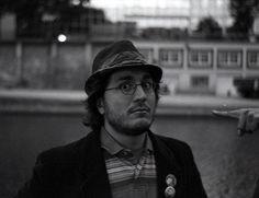Erwan Poindron, auteur de Le Monde de Poppy travaille parfois dans l'animation à Paris. Ses sentiments concernant les petits chiens sont partagés.
