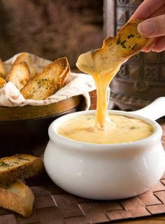 Bon Appetito!: Gouda Cheese Fondue with Crostini