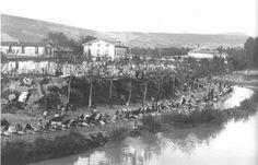 FOTOS PARA EL RECUERDO  LAVANDERA EN EL RIO ARGA, 1905