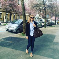 """""""It's beginning to look a lot like...spring Wearing one of my go-to-spring-outfits today #ootd #classy #gant #zuerich"""""""