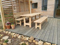 Zahradní sestava vyrobená z dlouhověkého dubového dřeva. #garden #design #furniture #wood #dub Patio, Outdoor Decor, Design, Home Decor, Decoration Home, Room Decor, Home Interior Design, Home Decoration