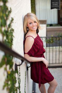 senior girl photography posing idea