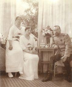 Maria, Tatiana and Nicholas 1915