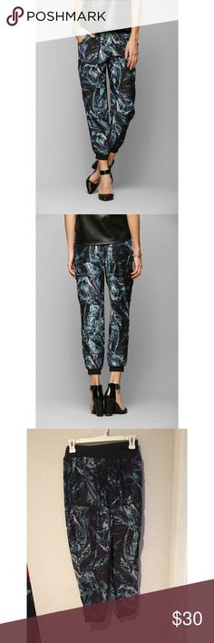 Silence + noise multicolor Harlem pants Silence + noise multicolor harlem pants from urban outfitters. Size small. Great condition silence + noise Pants Trousers