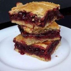 Omlós meggyes pite Receptek a Mindmegette. Hungarian Desserts, Hungarian Recipes, Baking Recipes, Cake Recipes, Dessert Recipes, Good Food, Yummy Food, Baking And Pastry, Sweet Cakes