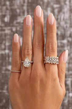 21 Perfect Solitaire Engagement Rings For Women ❤ Solitaire engagement rings - is a very popular trend in engagement rings fashion. You can browse solitaire engagement rings by famous world designers. Pear Shaped Engagement Rings, Engagement Ring Shapes, Cushion Cut Engagement Ring, Solitaire Engagement, Engagement Nails, Wedding Rings Sets His And Hers, Traditional Wedding Rings, Manicure Y Pedicure, Pink Nails