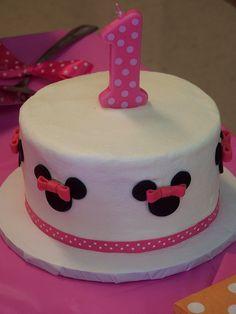 Smash Minnie Mouse cake by HobbyMommy, via Flickr