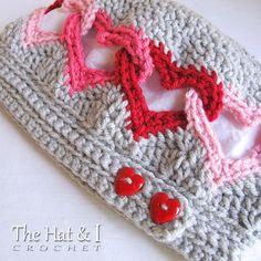 CROCHET PATTERN  Be Mine  crochet heart hat pattern von TheHatandI