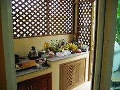 Small L Shaped Kitchens, Small Outdoor Kitchens, Outdoor Kitchen Cabinets, Outdoor Kitchen Design, Bahay Kubo Design, Filipino House, Kitchen Organisation, Bamboo Design, Wood Slats