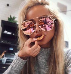 More Shades* Sunglasses Fashion* Style* Clothing* Denim Shirts* Rayban Sunglasses* Accessories* Ray Ban Sunglasses* Round Sunglasses Fashion trends Big Round Glasses, Cute Glasses, Glasses Frames, Geek Glasses, Ray Ban Sunglasses, Cat Eye Sunglasses, Mirrored Sunglasses, Sunglasses Women, Oversized Sunglasses