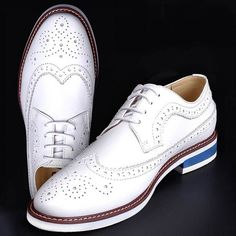 101.99$  Buy here - http://alir0s.shopchina.info/go.php?t=32276599411 - High Quality White Men's Wedding Groom Shoes Mens Shiny Leather Shoes Unique Men Casual Shoes Breathable 101.99$ #shopstyle