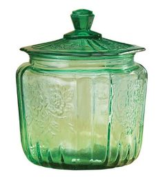 Miles Kimball Green Depression Style Glass Biscuit Jar Miles Kimball http://www.amazon.com/dp/B008E067QY/ref=cm_sw_r_pi_dp_nPfEwb0Y8SQMW