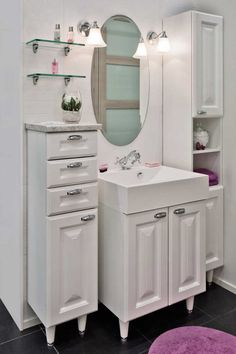 Sisustus - 4276 - Etuovi.com Asunnot - Moderni - Maalaisromanttinen - sisustus.etuovi.com Decor, Bathroom Makeover, Furniture, Home, Interior, Home Appliances, Home Decor, Romantic Interior, Room