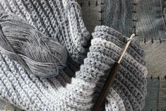 Favorite Crochet Ideas Perfect Men's Winter Scarf Free Crochet Pattern - This crochet scarf is a classic men's style. Slip stitch gives it a knit rib look while still working in crochet! Crochet Mens Scarf, Slip Stitch Crochet, Diy Scarf, Crochet Scarves, Free Crochet, Crochet Hats, Men's Scarves, Scarfs, Crochet Stitches