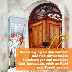 Zitat zum Advent aus der Bibel Mos 34, 6, Kirchentüre: Dreifaltigkeitsberg Spaichingen in Baden-Württemberg